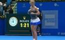 Caro Wozniacki doet Serena Williams na