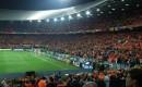 Voetbalkaartjes in Nederland relatief goedkoop