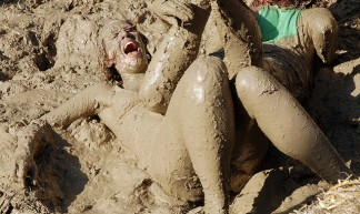 mud wrestling - mrbille1