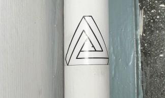 Triangle illusion - OKNOVOKGHT