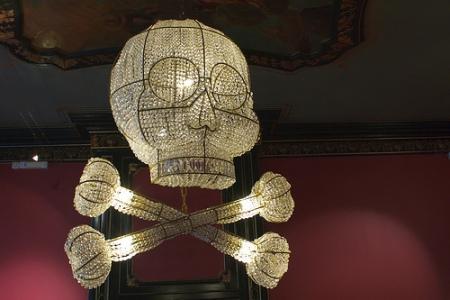 cc Flickr farlukar photostream Hans van Bentem Skull chandelier