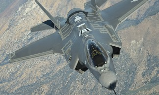 Een F-35 Joint Strike Fighter in een testvlucht. Foto door Lockheed Martin