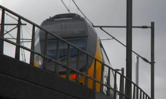 trein op viaduct Delft - Gerard Stolk