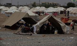 Relief effort for Syrian refugees in Kawrgosk refugee camp, Irbil, Northern Iraq.  21-23 August 2013 - IHH Humanitarian Relief Foundation