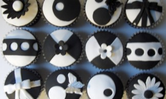 """Black and White """"Model"""" Cupcakes - Clever Cupcakes"""
