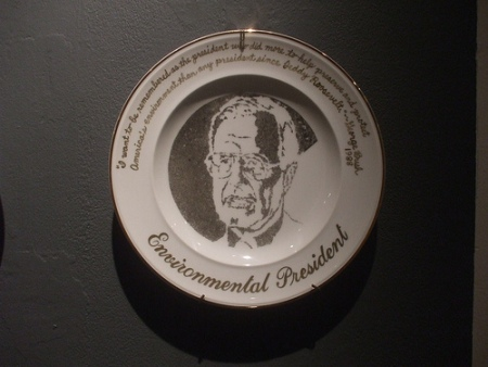 cc flickr dave-griffiths photostream kim abeles  presidential commemorative smog plates