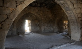 qasr_el-azraq_s_gate_building_upper_room_1