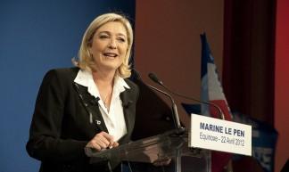Marine Le Pen à la tribune - Rémi Noyon