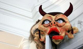 Puppets #13 Political Satire - Luc De Leeuw