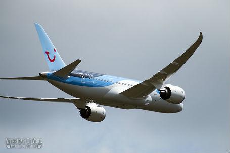Boeing's Dreamliner in dienst bij Arkefly, leveringen van het toestel hebben grote vertraging op gelopen.