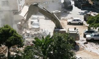 Caterpillar Excavator destroys homes #4 - michael loadenthal