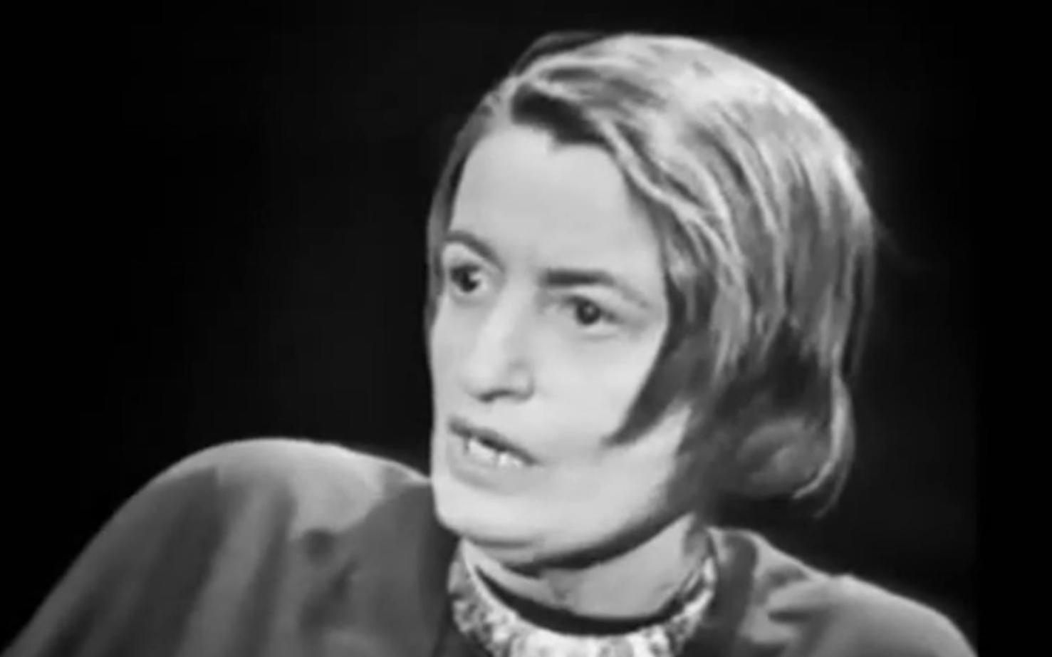 """ayn rand 安 德(ayn rand,1905年2月2日-1982年3月6日),原名""""艾丽莎 诺维耶芙娜 森鲍姆""""(俄语:алиса зиновьевна розенбаум)。她的哲学理论和小说开创了."""