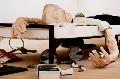cc Flickr vintagedept Saatchi Gallery - Sleeping Beauty (The Bed - Will Ryman)