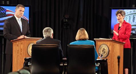 Bruce Braley vs Joni Ernst bij de Midterm Elections in Iowa
