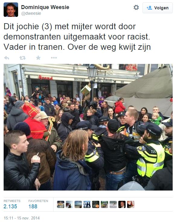 Dominique Weesie op Twitter- -Dit jochie (3) met mijter wordt door demonstranten uitgemaakt voor racist. Vader in tranen. Over de weg kwijt zijn http---t.co-HHkFIxOgri-