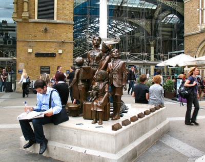 cc Flickr Alan Stanton Hope Square Children of the Kindertransport sculpture by Frank Meisler