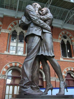 cc Flickr Jim Linwood The Meeting Place Statue, St Pancras Station, London