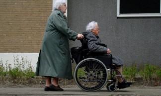 ouderenzorg - Bas Bogers