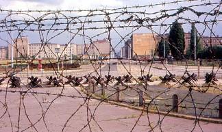 """Berlin - """"Der Sozialismus Siegt!"""" - Roger Wollstadt"""