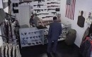 Wat gebeurt er als je een eerlijke wapenwinkel opent in New York City?