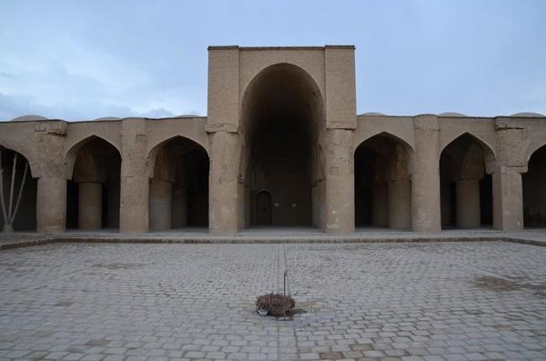 De Tarikhaneh-moskee in Damghan