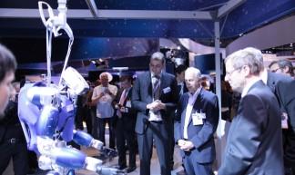 Smarter Roboter / Smart robot - DLR German Aerospace Center