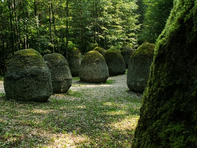 cc Flickr jaime.silva photostream Vilnius - Europos Parkas Space of Unknown Growth by Magdalena Abakanowicz, 1998
