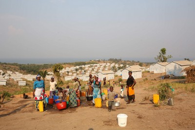 cc Flickr MONUSCO Photos Burundian refugees collecting water at Lusenda camp.