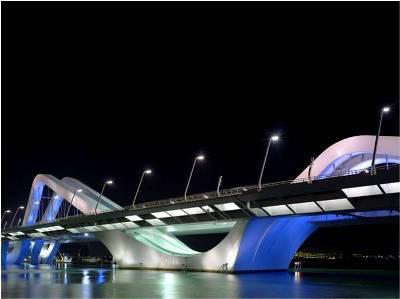 www.sg.uu.nl Sheikh Zayed Bridge (2010), Abu Dhabi. Lichtontwerp Rogier van der Heide.