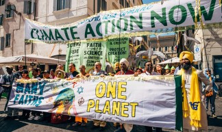 Una Terra Una Familglia Humana Climate Change March | Vatican City - Mat McDermott