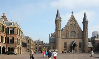 """Binnenhof met Ridderzaal (""""Inner Court with Knights' Hall"""") - Canadian Pacific"""