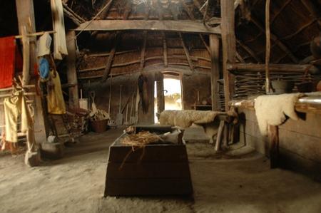 Archeon: interieur van een IJzertijdboerderij