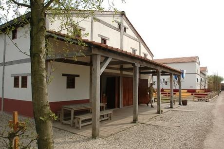 Archeon: nagebouwd huis uit tweede-eeuws Voorburg