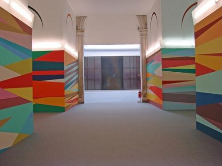 cc Flickr Jean-Pierre Dalbéra Give Me Shelter, oeuvre d'Odili Donald Odita pour le pavillon d'Italie de la Biennale de Venise 2007