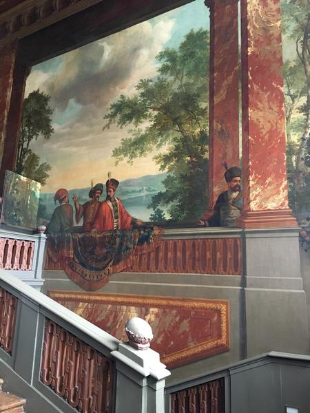 Schilderingen in het trappenhuis