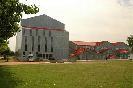 Badhuis en Archeologisch Museum