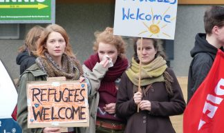Refugees welcome - Mike Herbst
