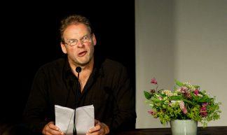 Erik van Muiswinkel als 'Drs. Hans Janmaat' - Kennisland