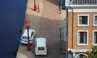Dubbel geparkeerd in Madurodam - Henk-Jan van der Klis
