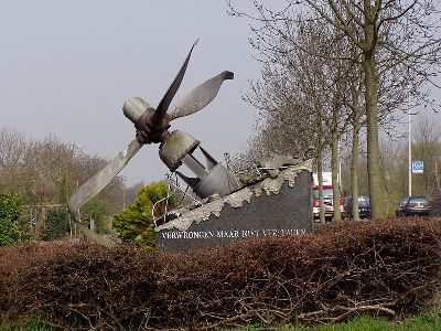 cc commons.wikimedia.org RAF Monument Spijkenisse