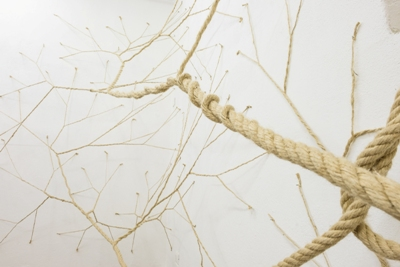 Janaina Mello Landini, Detail Ciclotrama 28 (medusa), 2015, hemp rope and nails, 375 x 745 x 200 cm. Site specific installation Galleria Macca, Cagliari, Italy. Photo Stefano Oliverio