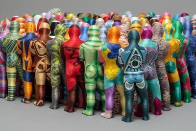 June Lee, Detail Bystander, 2016, thread on plastic cast, 24 x 5 x 4 cm each figure. Photo Myoung Studio