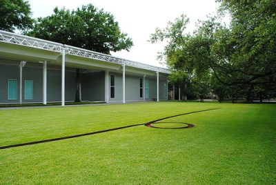 cc Flickr Osbornb photostream Menil Collection Sculpture by Michael Heizer