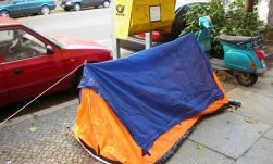 Neue Armut Berlin - mac42