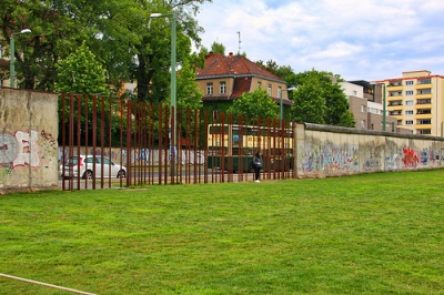 cc Flickr Alain Rouiller photostream Berlin - le mur à la Bernauerstrasse 50