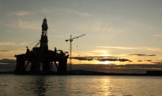 Oil platform - Chris-Håvard Berge
