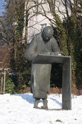 cc commons.wikimedia.org Caesariusdenkmal Dollendorf.jpg