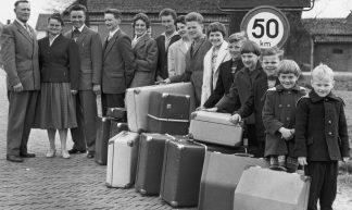 04-26-1960_17222 Familie Sneek uit Sijbekarspel - IISG