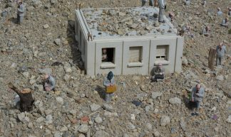 Follow the leaders - Isaac Cordal - Elena Giglia