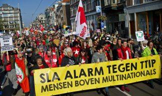 Landelijke demonstratie in Amsterdam: Sla alarm tegen TTIP - Milieudefensie